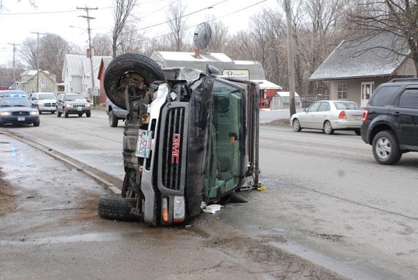 Truck Strikes Tree Overturns On Wilton Road Daily Bulldog