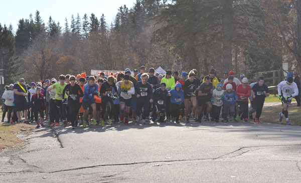 And they're off in the 6th annual Turkey Trott 5K race.