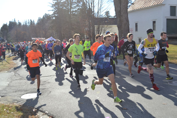 A couple of hundred participated in the 6th annual Turkey Trot organized by the University of Maine at Farmington.