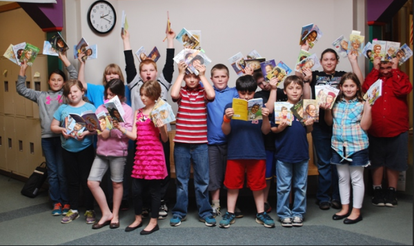 The first classroom they were loaned to was Shelby Newall's fourth grade class in Strong, Maine. This class, pictured above, was filled with reluctant readers.