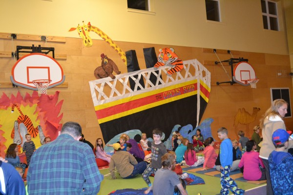 The gym was decorated by a committee of parents and teachers.